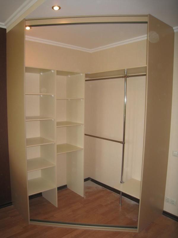 Гардеробная (гардеробная комната) Гита