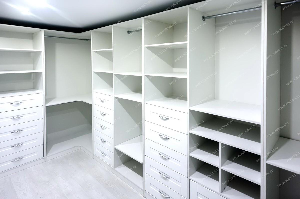Гардеробная (гардеробная комната) Ята