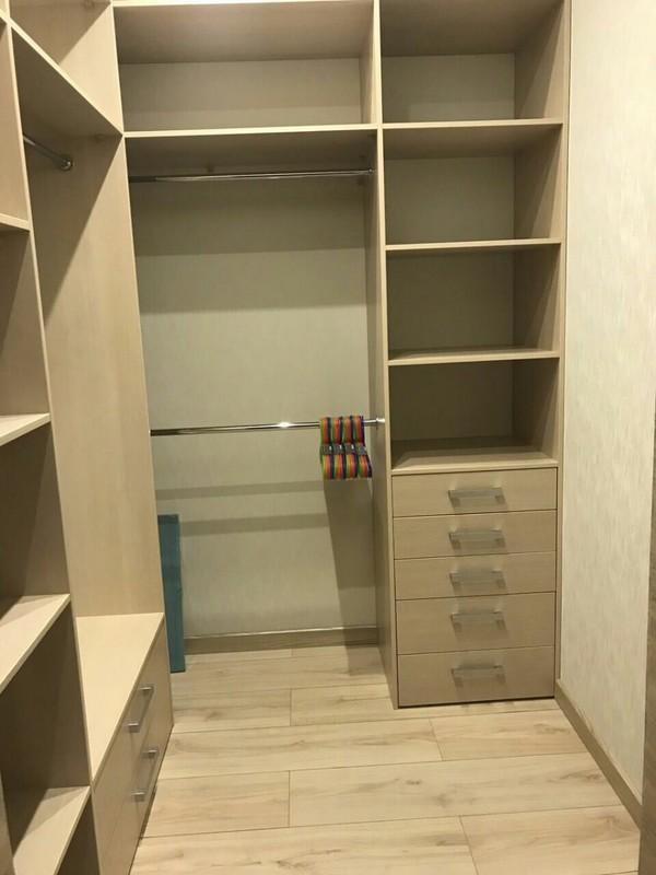 Гардеробная (гардеробная комната) Готти